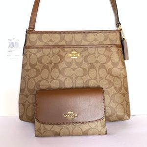 🎁Great Gift Coach Crossbody File Bag and wallet